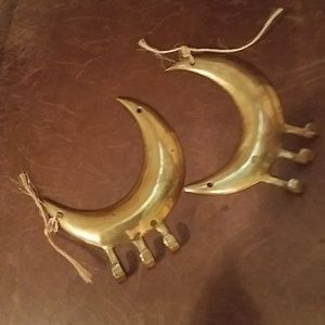 BRASS HANGERS FOR DECOR, TOWELS NEW